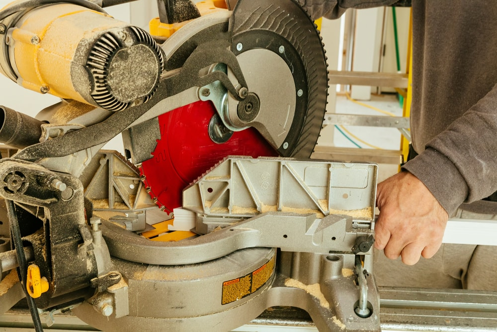 10 Steps For Easy Sliding Miter Saw Lubrication Review